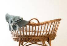 Jak wybrać idealny kocyk dla noworodka i niemowlaka